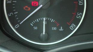 Przegrzanie silnika. Jak poradzić sobie w awaryjnej sytuacji? (video)
