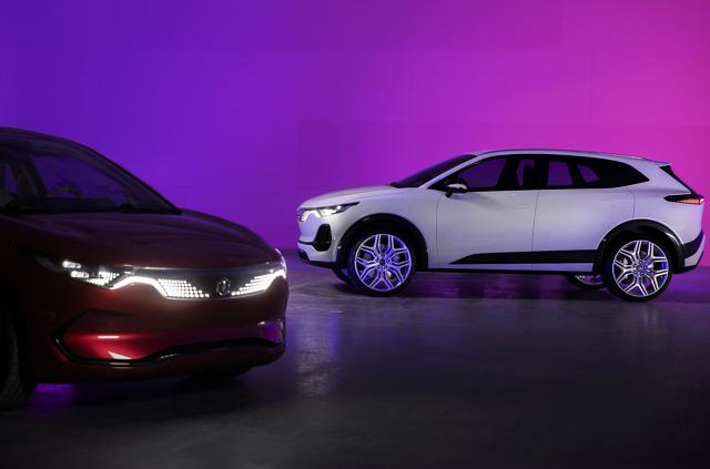 Pierwsze auta polskiej marki Izera mają wyjechać na drogi w 2023 roku. Zespół Electromoblility Poland zastrzega, że mają być dostępne dla przeciętnego Kowalskiego.    Fot. materiały prasowe