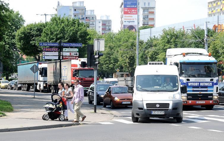 Zakaz wjazdu tirów do Torunia. Policja zapowiada ostre kontrole