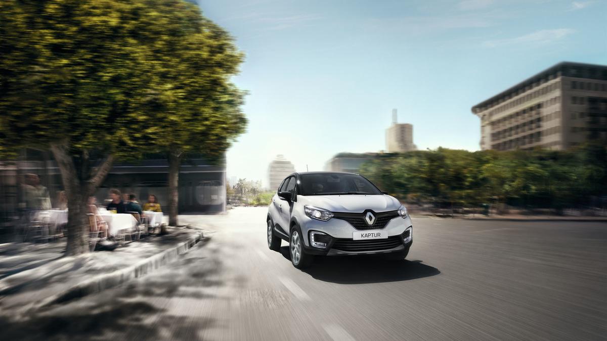 Renault Kaptur   Samochód powstał na platformie Dacii Duster, czyli aucie wykorzystującym napęd czterech kół. Dane techniczne dotyzcące jednostek napędowych nie zostały jeszcze podane.   Fot. Renault