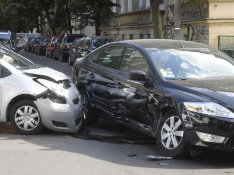 Uwaga! Karę za brak OC dostaniesz, nawet jeśli auto nie jeździ