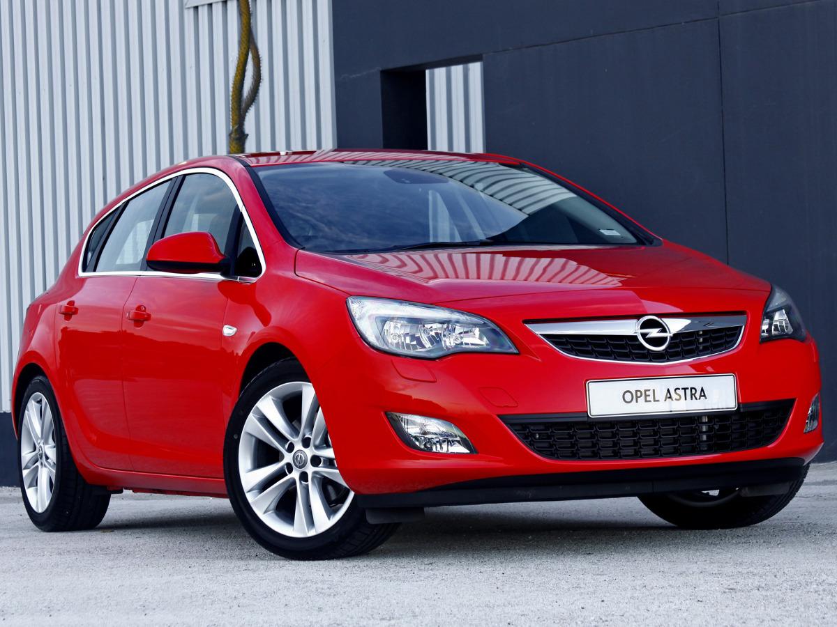 Opel Astra Iv Kontra Toyota Auris Ii Opel Astra Fot
