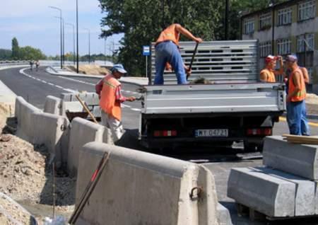 Fot. Dziennik Zachodni: To zdjęcie zrobiono wczoraj. Dziś przez Legnicką będzie już można jeździć nowym wiaduktem.