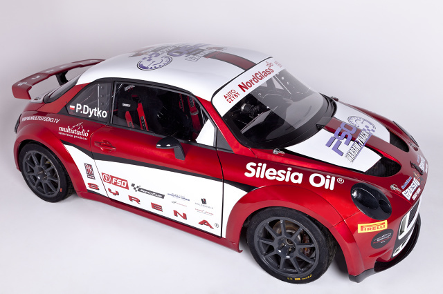 AK Syrena Meluzyna R jest w pełni funkcjonalnym prototypem, zbudowanym we współpracy z firmą Proto Cars z Nysy, przeznaczonym do jazdy na torach wyścigowych. Producent ujawnił jego cenę. / Fot. materiały prasowe