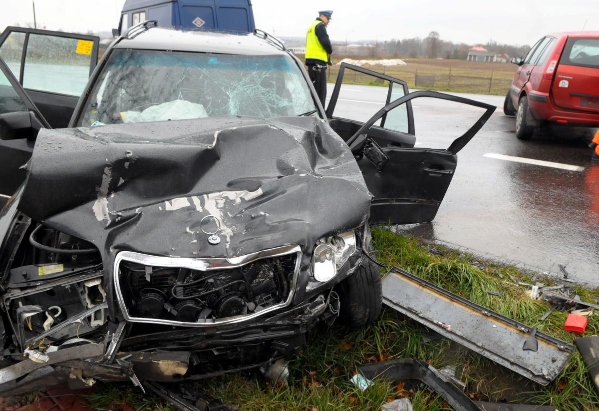 Im więcej szkód kierowca ma w swojej historii jazdy, tym więcej zapłaci za obowiązkowe OC. Jedna tylko drobna kolizja wystarczy, aby najniższa cena ubezpieczenia wzrosła o minimum 25% / Fot. Archiwum