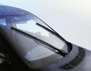 Jak dobrać wycieraczki samochodowe? Wycieraczki elastyczne czy płaskie?