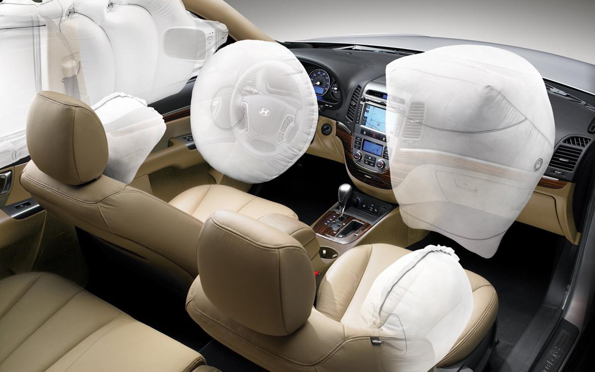 Poduszki powietrzne, to wyposażenie samochodu, którym zdajemy sobie nie zaprzątać głowy. Tymczasem to właśnie od ich odpowiedniego działania może zależeć nasze życie!  Fot. Hyundai