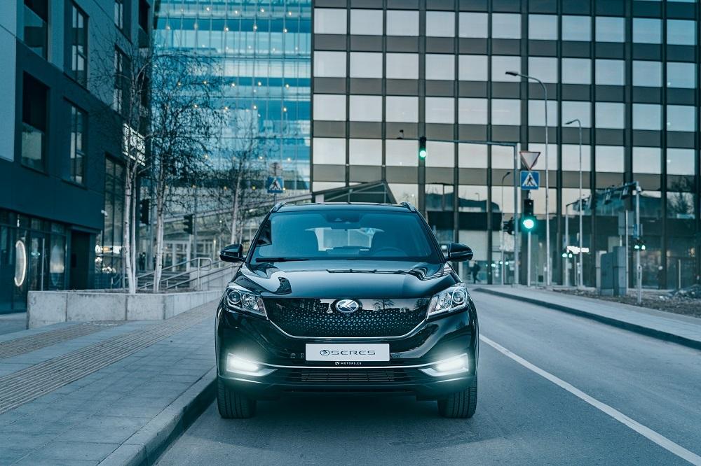 Rynek pojazdów elektrycznych w Polsce bez wątpienia się rozwija, czemu dowodzi marka SERES, wkraczając z ofertą  samochodów elektrycznych. Dzięki firmie Busnex, która jest autoryzowanym przedstawiciele SERES i Yutong w Polsce i krajach bałtyckich, samochody dostępne będą na naszym rynku już od 7 września 2021 r.  Fot. SERES
