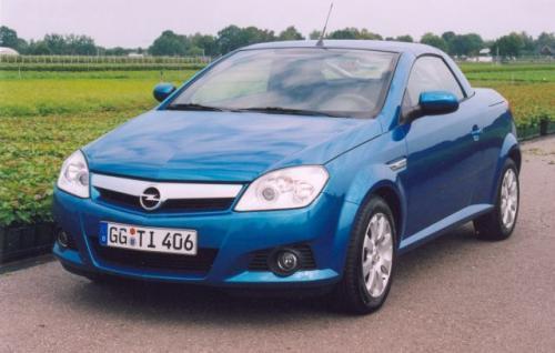 Fot. Z. Podbielski: Opel Corsa Twin Top dołącza do segmentu pojazdów z nadwoziem coupe-kabriolet.