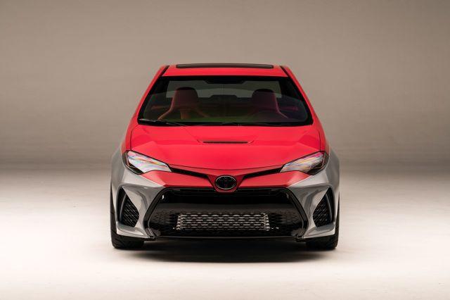 Toyota zaprezentowała na targach Specialty Equipment Market Association (SEMA) w Las Vegas 30 samochodów. Kolekcja została tak dobrana, aby oddać honor najlepszym autom marki z przeszłości, zaprezentować obecną ofertę w nowym świetle oraz pokazać, co może przynieść przyszłość.  Fot. Toyota