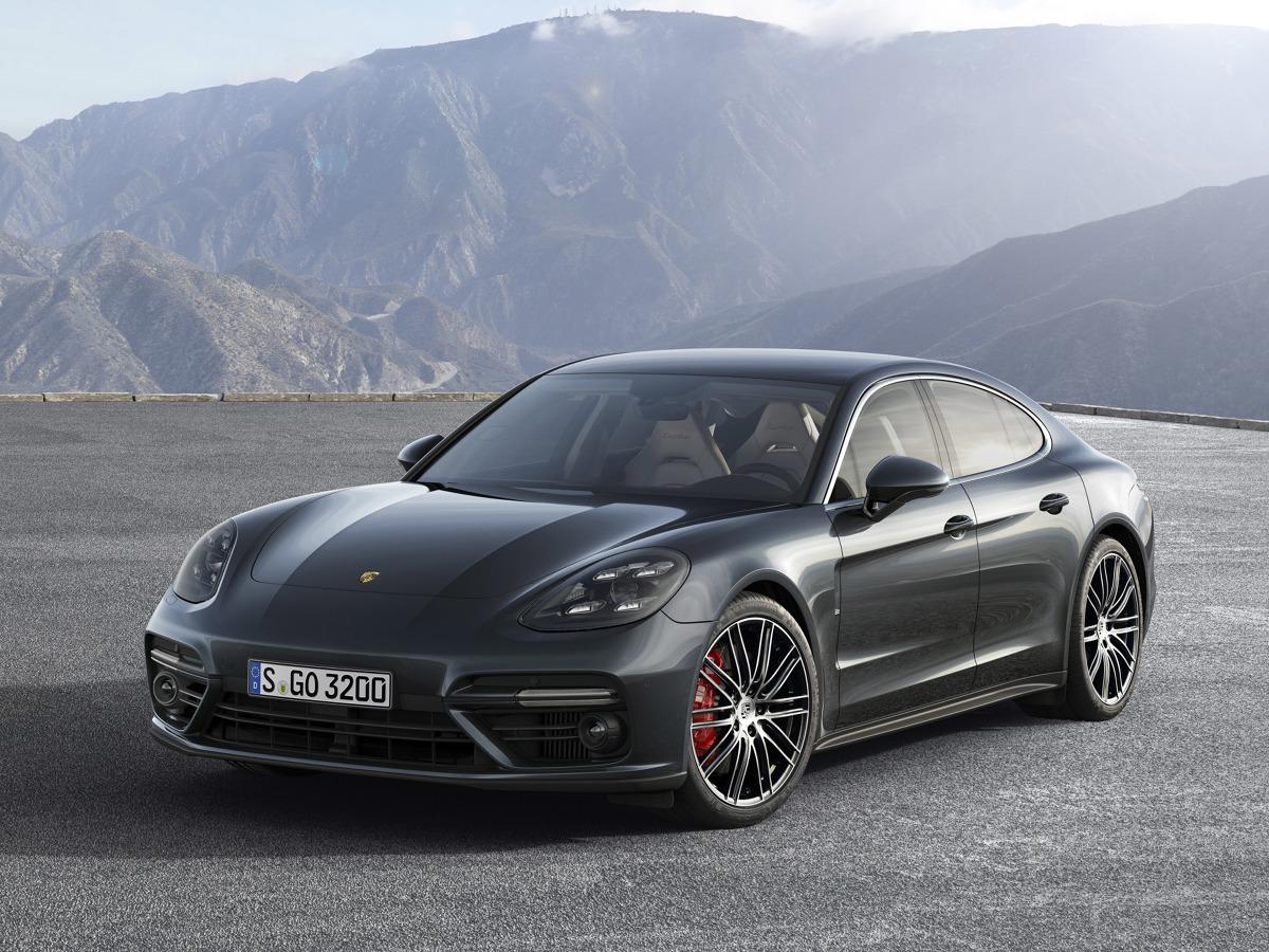 Tak prezentuje się Porsche Panamera drugiej generacji / Fot. Porsche