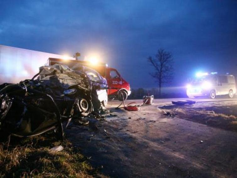 Długi weekend na drogach - 30 zabitych, 1000 pijanych kierowców