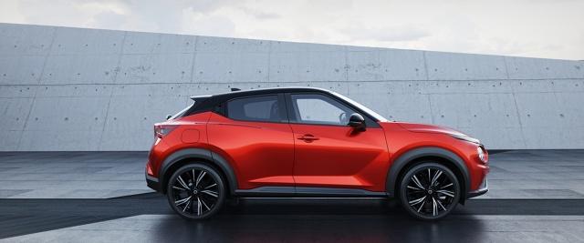Nissan Juke   Samochód jest napędzany 1‑litrowym, 3‑cylindrowym turbodoładowanym silnikiem benzynowym DIG‑T o mocy 117 KM. Nowy model jest dostępny z 6‑biegową przekładnią manualną lub 7‑biegową dwusprzęgłową skrzynią automatyczną (DCT) z funkcją zmiany przełożeń za pomocą manetek oraz selektorem trybu jazdy (Eco, Standard, Sport), pozwalającym dopasować styl prowadzenia pojazdu do sytuacji na drodze pod kątem maksymalnej przyjemności jazdy.  Fot. Nissan