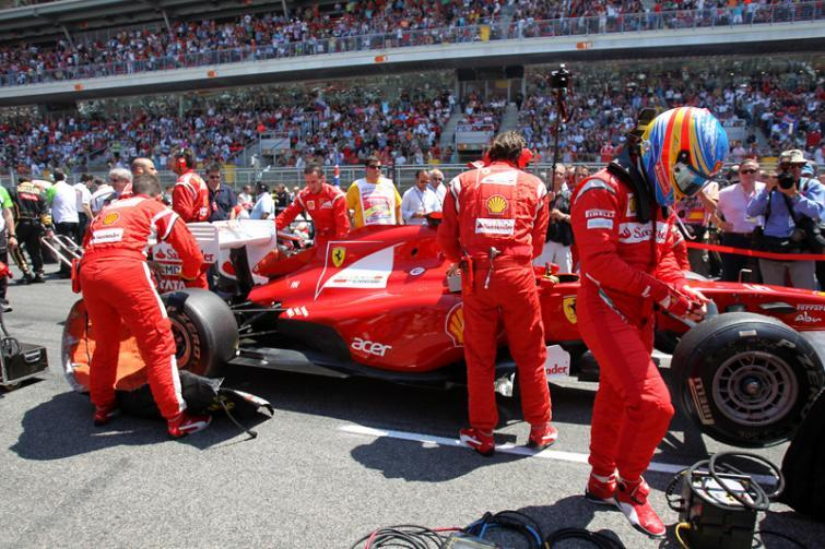 Trening przed GP Niemiec: Alonso szybszy od Vettela