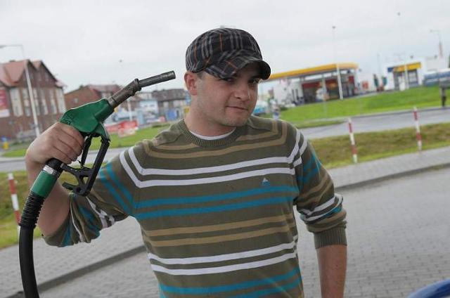 Wysokie ceny paliw. Kierowcy ograniczają korzystanie z aut