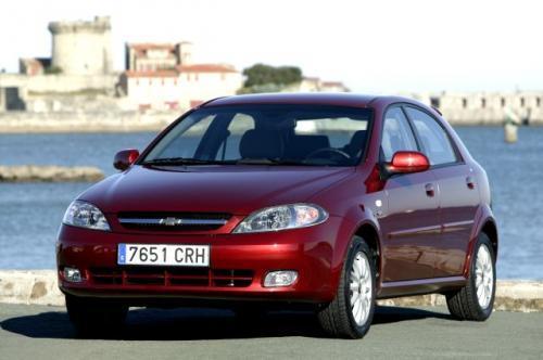 Fot. Chevrolet: Na zdjęciu model Lacetti w wersji 5-drzwiowej.