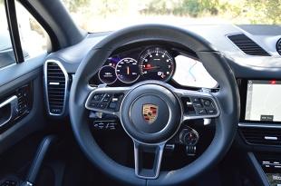 Porsche Cayenne S   Trzecią generację Porsche Cayenne można już zamawiać. Ceny modelu Cayenne rozpoczynają się od 359 120 zł, Cayenne S od 451 320 zł, a Cayenne Turbo od 681 080 zł.  Fot. Wojciech Frelichowski