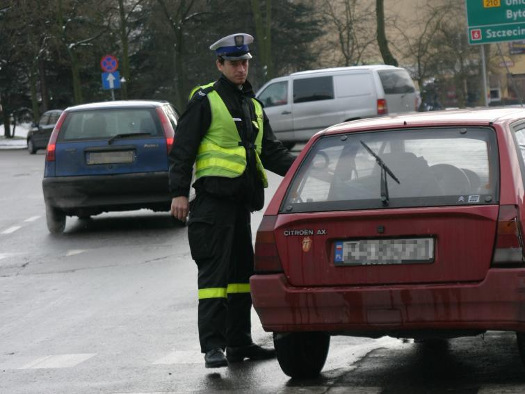 Kierowco uważaj! Policja częściej sprawdza ważność OC