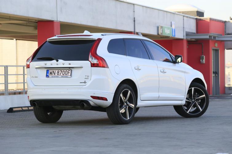 Volvo Xc60 T5 Awd Wysoki Komfort I Wysoka Cena Volvo