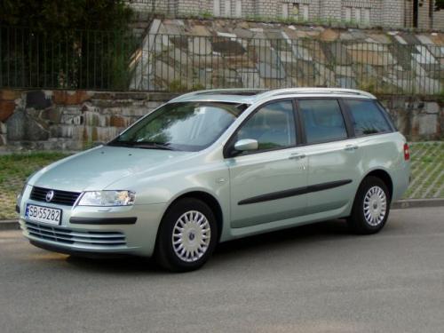Fot. R. Polit:  Fiat Stilo Multi Wagon to spory samochód o długości 4,5 m z przestronnym wnętrzem i sporym bagażnikiem.