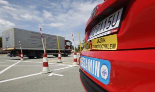 Prawo jazdy. Ministerstwo proponuje zmiany w systemie szkolenia kierowców