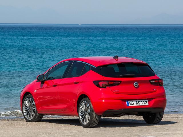 zdjęcie Opel Astra V