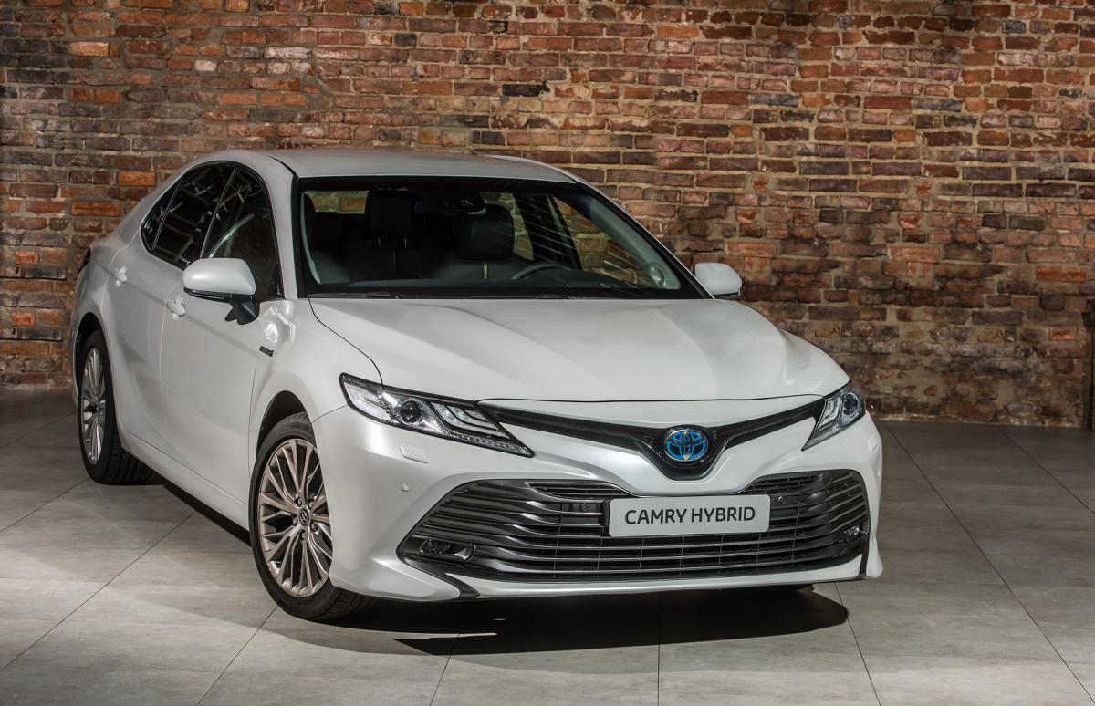 Toyota Camry   kultowy sedan powraca do Europy po 14 latach przerwy. Model na rynek europejski będzie produkowany w Japonii. Pierwsze egzemplarze opuszczą fabrykę w styczniu, a w polskich salonach Camry zadebiutuje w maju przyszłego roku.  Fot. Toyota