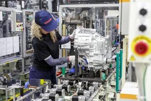 Koronawirus w Polsce. Jak zagrozi rynkowi motoryzacyjnemu? Co ze sprzedażą nowych aut? OPINIE ekspertów