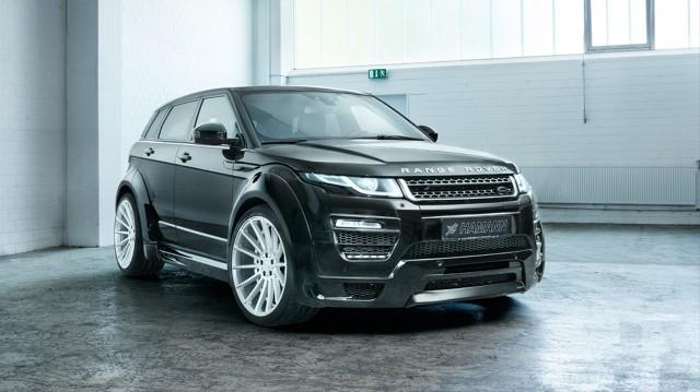 Range Rover Evoque   Osobno dokupić możemy m.in. pedały wykonane z aluminium, ozdobne dywaniki, a także specjalne oświetlenie LED zamontowane w drzwiach.  Fot. Hamann