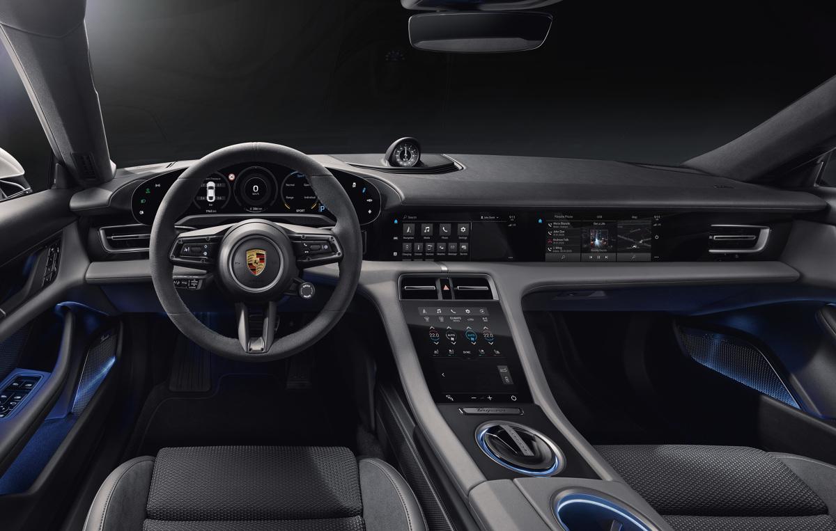 Porsche Taycan   Pierwszy w pełni elektryczny samochód sportowy producenta z Zuffenhausen wyznacza nowe standardy w zakresie designu wnętrza.  Fot. Porsche