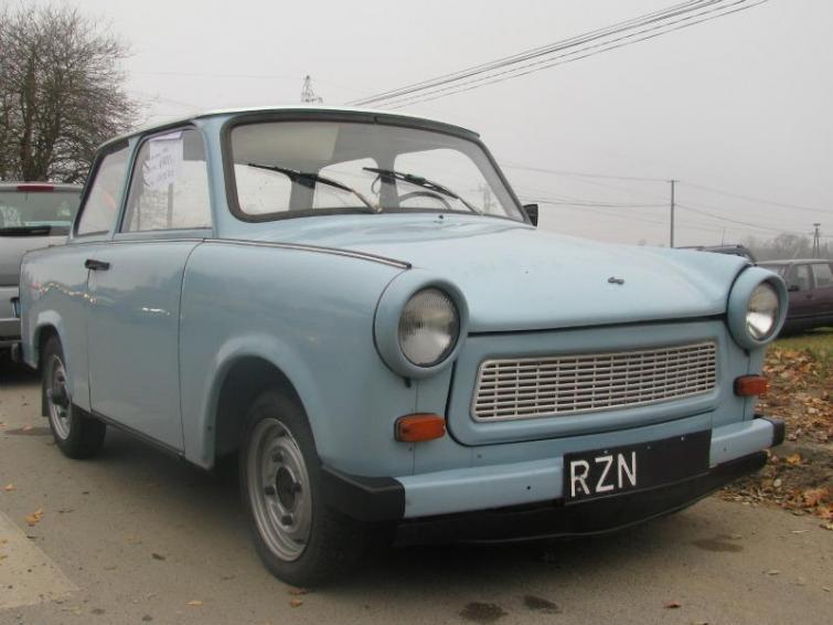 Giełda samochodowa w Rzeszowie (6.11) - zdjęcia i ceny