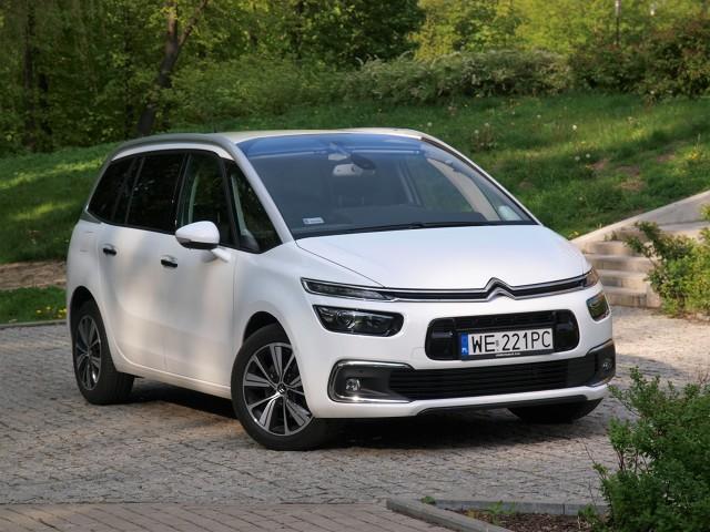 Citroën Grand C4 Picasso. Awangarda w działaniu  Gdyby oceniać Grand C4 Picasso tylko po pracy zawieszenia i układu napędowego, można by podejrzewać, że ma zacięcie sportowe...