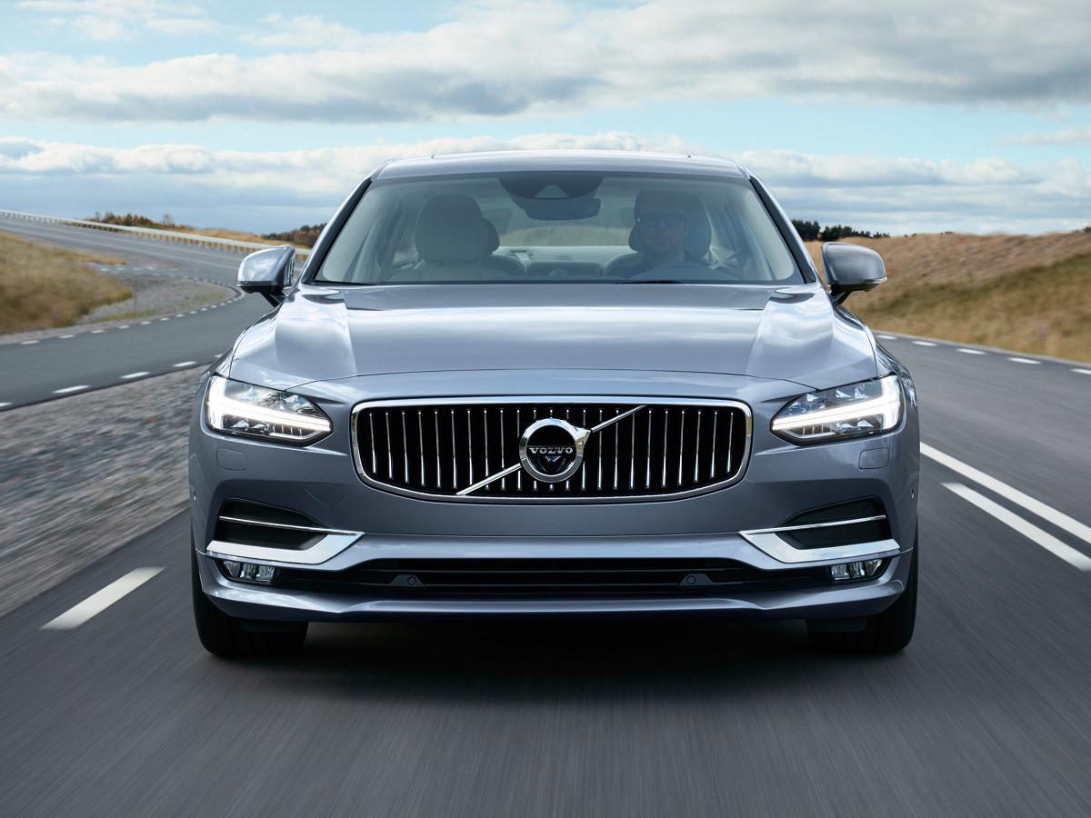Pokazany niedawno w Detroit sedan S90 zastąpi dotychczasowy model S80 / Fot. Volvo