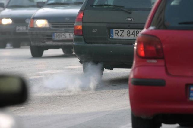 Katalogowe zużycie paliwa a rzeczywistość - skąd te różnice?  fot. Bartosz Gubernat
