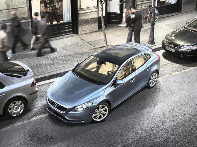 Nowe Volvo V40 hatchback - zobacz ceny i film