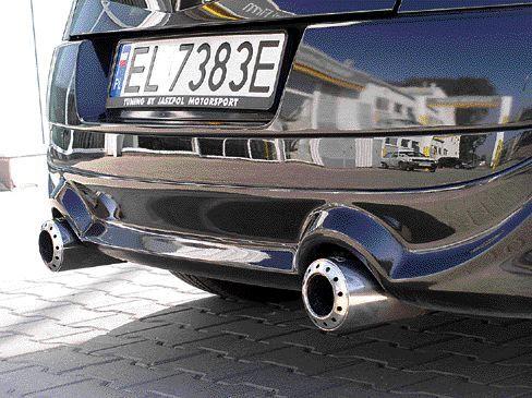 Podwójny wydech znakomicie brzmi i podkreśla drapieżny charakter samochodu